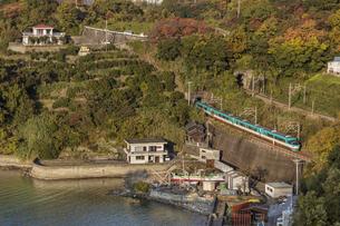 日本の鉄道、紀勢本線、特急くろしお号の写真素材 [FYI04152743]