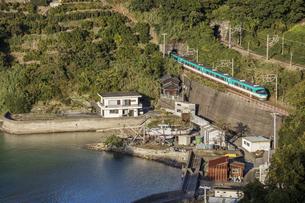 日本の鉄道、紀勢本線、特急くろしお号の写真素材 [FYI04152882]