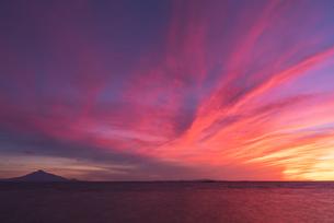 稚内・ノシャップ岬からの夕焼けの写真素材 [FYI04153159]