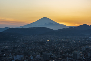 富士山と夕景 ③の写真素材 [FYI04153238]