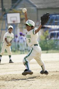少年野球ピッチャーの写真素材 [FYI04158621]