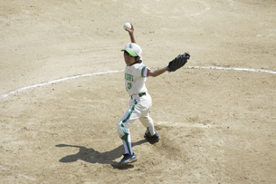 少年野球ピッチャーの写真素材 [FYI04158635]