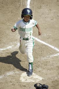 少年野球ランナーの写真素材 [FYI04158642]