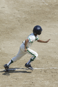 少年野球ランナーの写真素材 [FYI04158647]