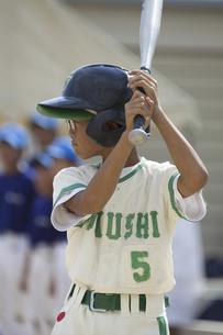 少年野球のバッターの写真素材 [FYI04158655]