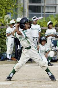 少年野球のバッターの写真素材 [FYI04158666]