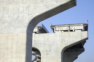 建設途中の高速道路の写真素材 [FYI04158751]