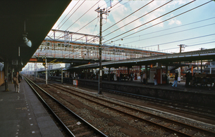 青梅線 立川駅ホームの写真素材 [FYI04160784]