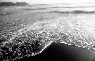 晩秋の海の写真素材 [FYI04161012]