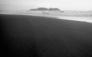 晩秋の海の写真素材 [FYI04161013]