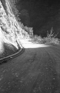 晩秋の丹波山村の写真素材 [FYI04161028]