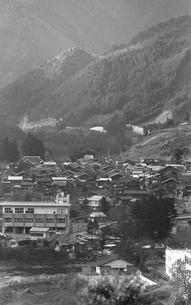 初冬の丹波山村の写真素材 [FYI04161037]