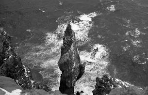 厳冬の天売島・赤岩の写真素材 [FYI04161378]