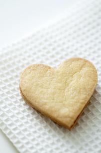 ハート型のクッキーの写真素材 [FYI04162331]