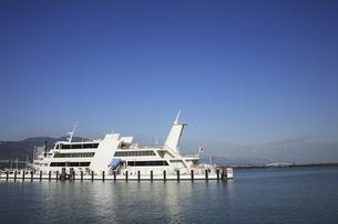 琵琶湖遊覧船ビアンカの写真素材 [FYI04163066]