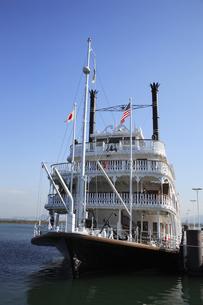 琵琶湖遊覧船ミシガンの写真素材 [FYI04163067]