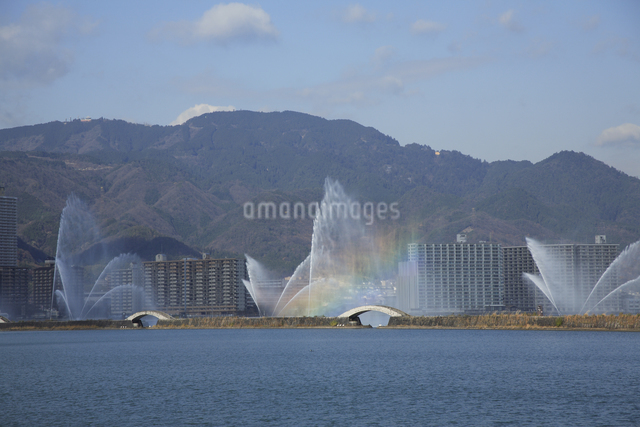 琵琶湖花噴水の写真素材 [FYI04163072]