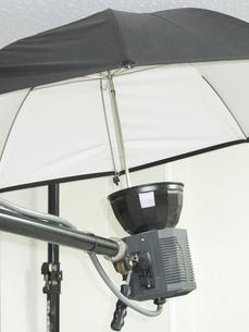 ストロボ撮影機材の写真素材 [FYI04165299]