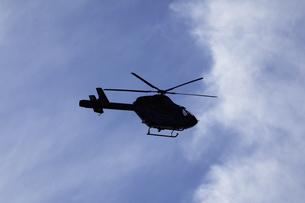 ジェットヘリのシルエットの写真素材 [FYI04165449]