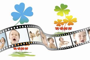 フィルムに写った赤ちゃんの写真素材 [FYI04167766]