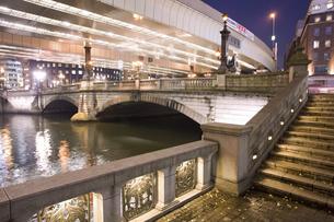 夜の日本橋の写真素材 [FYI04168181]