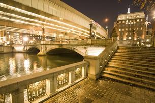 夜の日本橋の写真素材 [FYI04168183]