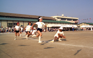小学校・運動会の写真素材 [FYI04172721]