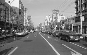 原宿・正月で渋滞する明治通りの写真素材 [FYI04172755]