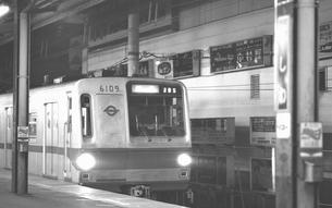 鉄道 国鉄・常磐線 柏駅ホームの写真素材 [FYI04172817]