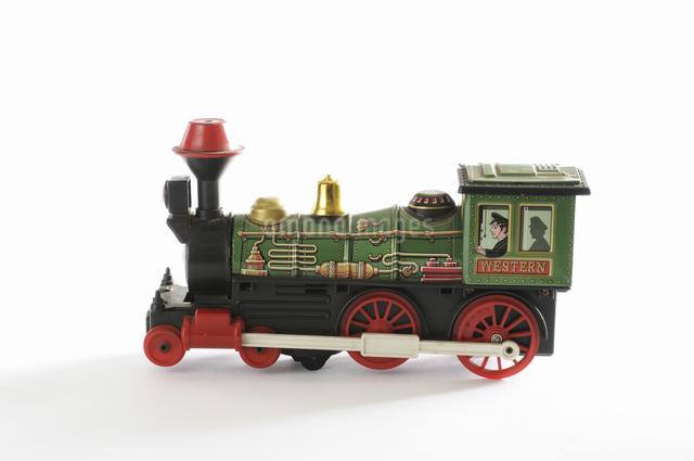 ブリキのおもちゃ機関車の写真素材 [FYI04173531]