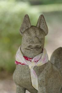 きつねの石像の写真素材 [FYI04175871]