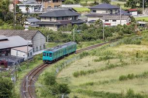 日本の鉄道、和歌山線105系の写真素材 [FYI04175988]