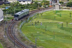 日本の鉄道、和歌山線227系の写真素材 [FYI04177006]
