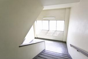 学校の階段の写真素材 [FYI04179498]