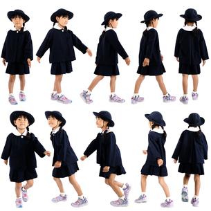 人物切り抜き添景素材 子供幼児女の子 歩く走る 白バックの写真素材 [FYI04180352]