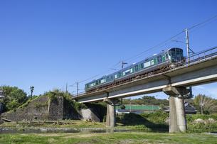 日本の鉄道、和歌山線227系の写真素材 [FYI04181144]