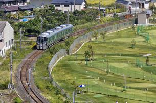 日本の鉄道、和歌山線227系の写真素材 [FYI04181170]