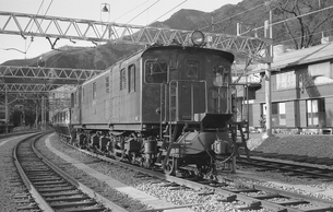 青梅線・ED16 18号電気機関車の写真素材 [FYI04184093]