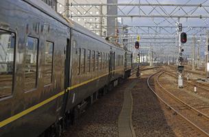 鉄道 JR西日本・北陸本線金沢駅 521系電車の写真素材 [FYI04184181]