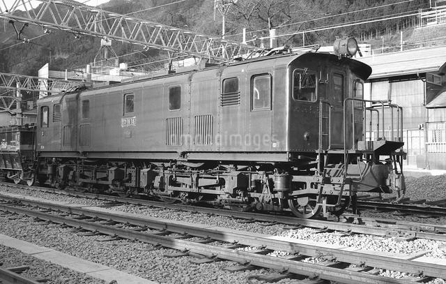鉄道 国鉄・青梅線ED16 18号電気機関車の写真素材 [FYI04184185]
