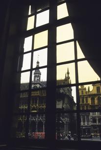 グランプラス広場の窓の写真素材 [FYI04185052]