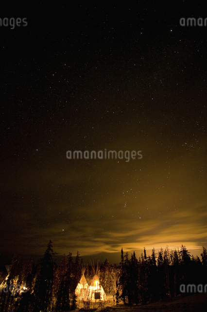 カナダ/イエローナイフの星空の写真素材 [FYI04185099]