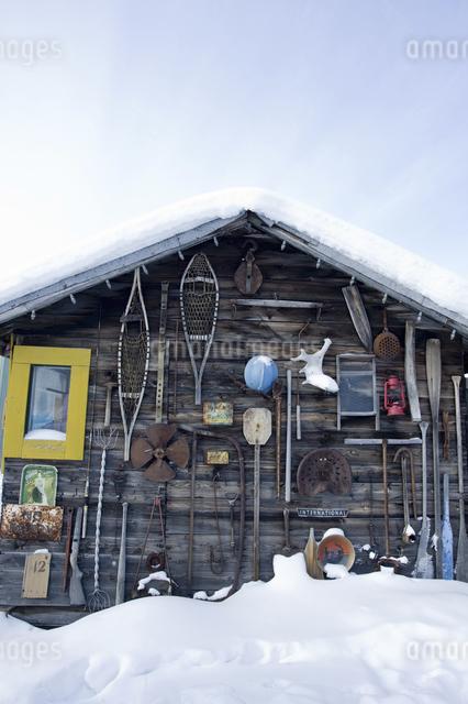 雪原の小屋の写真素材 [FYI04185123]