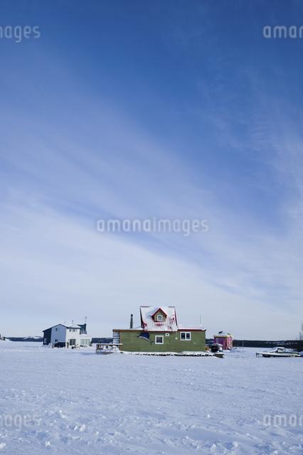 雪原の魚市場の写真素材 [FYI04185125]