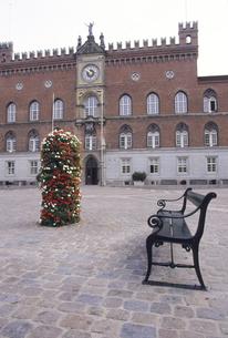 オーデンセ市庁舎のベンチの写真素材 [FYI04185309]