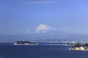 江ノ島と富士山の写真素材 [FYI04187482]