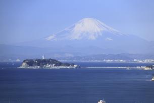江ノ島と富士山の写真素材 [FYI04187483]