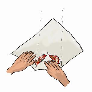 春巻を作る-3  皮で包むのイラスト素材 [FYI04187887]