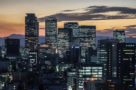 名古屋テレビ塔の展望台からの夕景の写真素材 [FYI04188258]