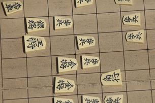 将棋をさすの写真素材 [FYI04190181]